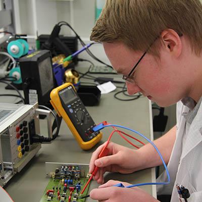 Arbeitsumfeld Elektroniker für Geräte und Systeme
